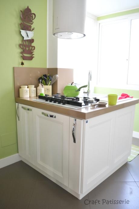 Ecco la penisola della mia cucina bianca e verde