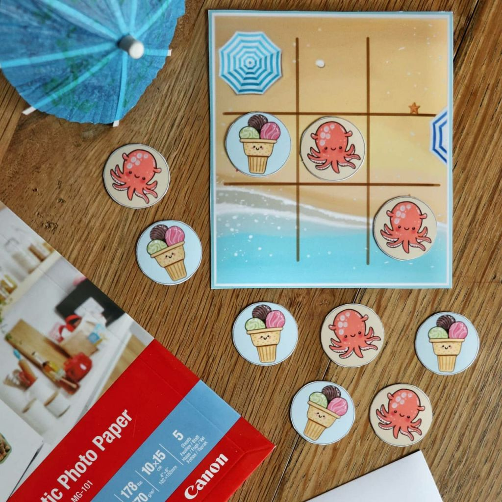 Tic tac toe game for summer  Printed with canon pixma on magnetic paper, free printable by CraftPatisserie